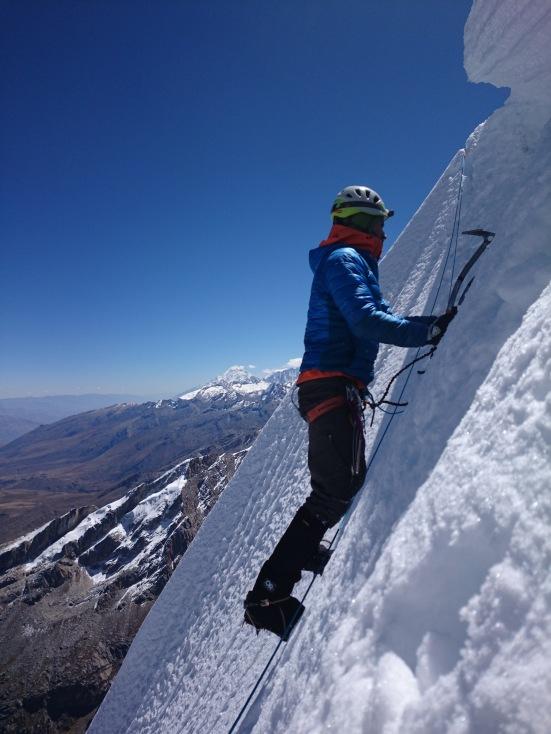 Skyler traversing to the summit. (Artem Bylinskii photo)