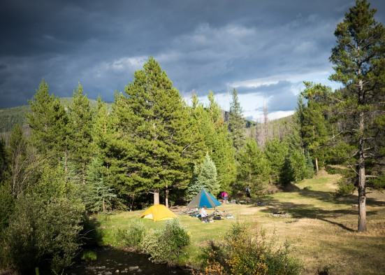 We drop way down to 1300m, to a cow camp by the creek.