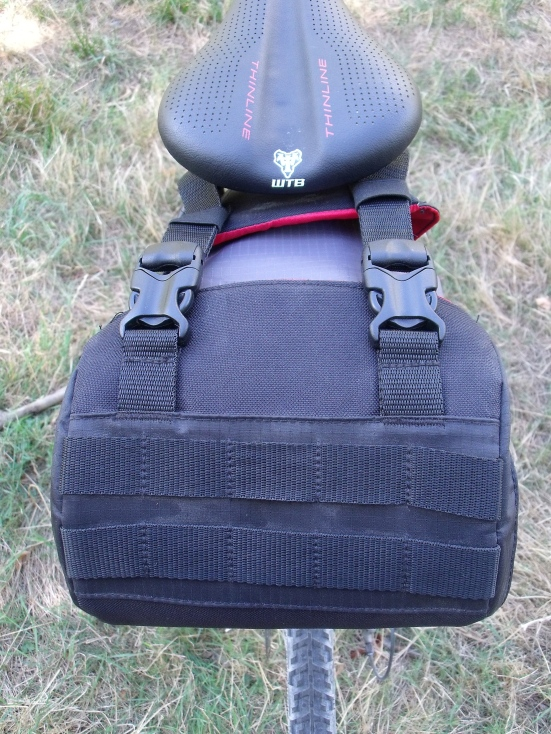 The twin clips and bartacking that are some of the strong points of the Blackburn seat pack